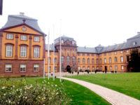 Pflasterarbeiten im Schlosspark Kleinheubach